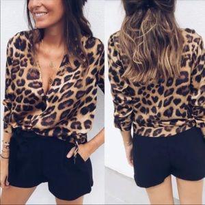 Tops - AVAILABLE🎉 Leopard Fall V Neck Long Sleeve Shirt